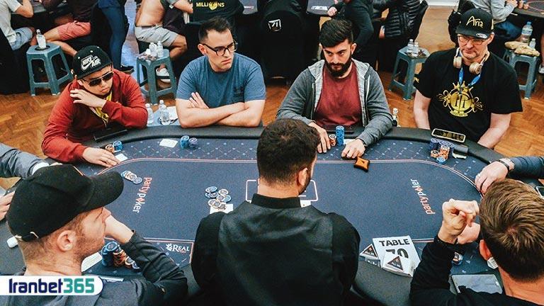 بازیکن حرفهای در پوکر
